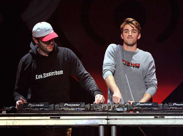 Lagu Closer Dari The Chainsmokers Merajai Tanggal Lagu 2016
