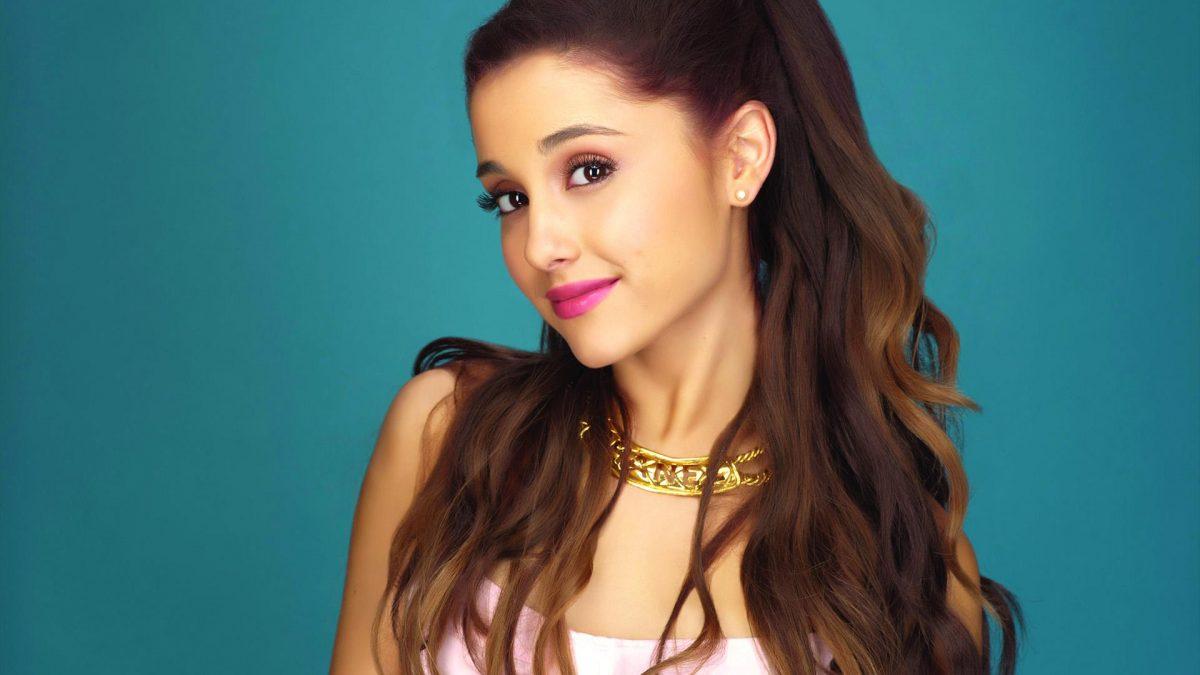 Ariana Grande Lanjutkan Konser Tur Dunia