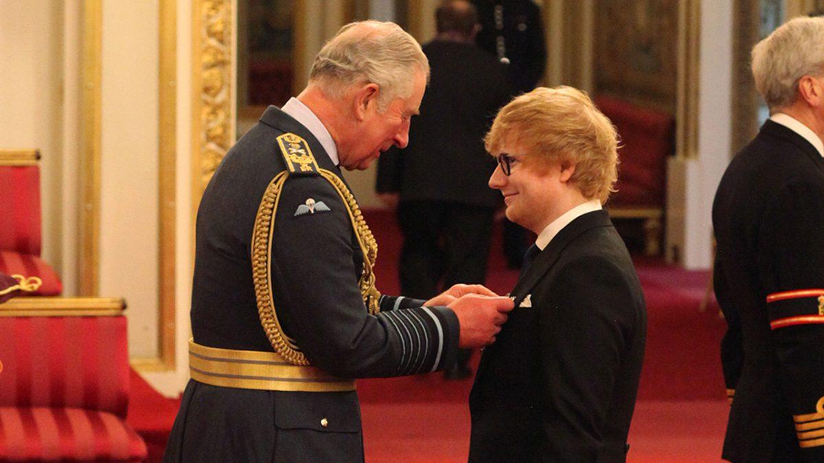 Ed Sheeran Menerima Penghargaan Dari Pangeran Charles
