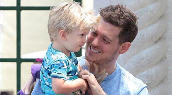 Aksi Michael Buble Pasca Diagnosis Kanker Anaknya