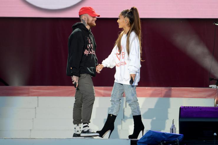 Ariana Grande Beri Penghormatan Untuk Sang Mantan