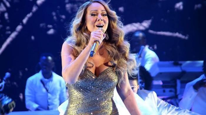 Mariah Carey Berhasil Hibur Penonton di Borobudur